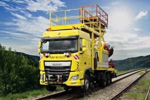Road-Rail vehicle DAF XF DUO is equipped with fixed working platform, scissor type elevating platform, hydraulic loading crane and device for pulling contact wire. Scissor type elevating platform NP 400 allows full unlimited rotation around its axis.