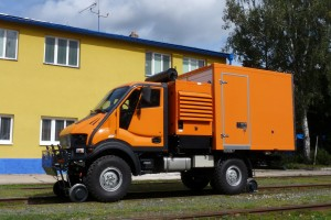 The vehicle can be equipped with superstructures for summer and winter maintenance.